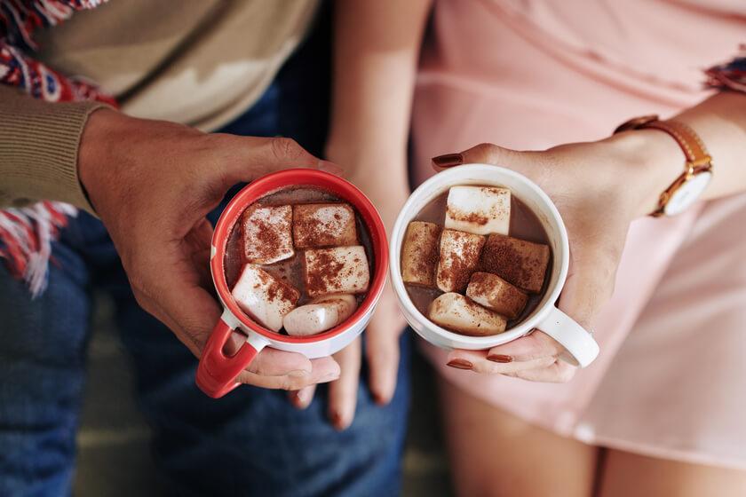 Sıcak Çikolata İçmek